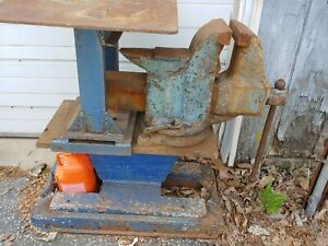 Vice Large Heavy Duty Built In Anvil With Adjustable Removable Work Table