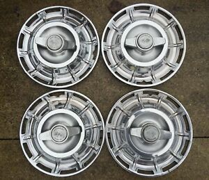 1959 62 Corvette Straight Axle Spinner Hubcaps Nice Originals No Curb Damage