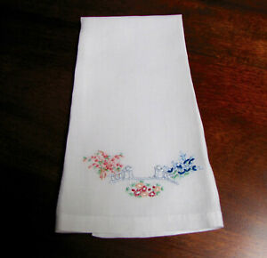 Vintage Embroidered Linen Guest Hand Towel Fingertip Towel Garden Gate Madeir