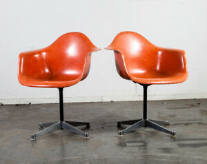 Mid Century Modern Lounge Chair Set Eames Herman Miller Dax Orange Red Arm Shell