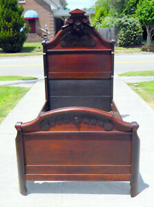 Walnut Victorian Twin Bed With Inlay Att Herter Brothers