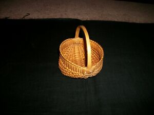 Antique Vintage Miniature Egg Basket Finely Made And Perfect 4 5 W X 4 5 T Cutey