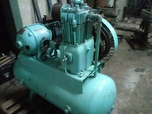 60 Gallon Quincy Air Compressor 5 H p Runs Great