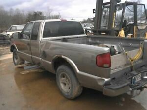2002 Chevy S10 Pickup Truck Manual Transmission 2wd 807610