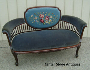 60134 Antique Victorian Settee Couch Sofa Hand Made Needlepoint Seat