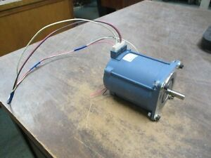 Superior Electric Slo syn Ac Motor Ss421 72rpm 60hz 120v 0 8a 50 60hz Used