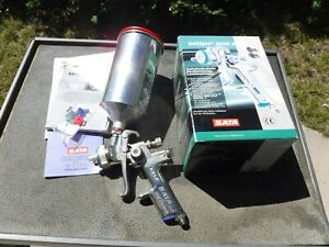 Satajet Nr2000 Hvlp 1 4 Paint Gun Cup Used Great Condition Free Shipping