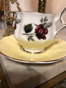 Vintage Elizabethan Red Rose Fine Bone China Tea Cup And Saucer Made In England