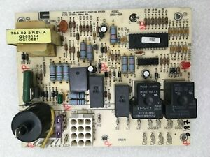 Carrier Bryant 1068 400 Furnace Control Circuit Board B18099 18 Used p188 p187
