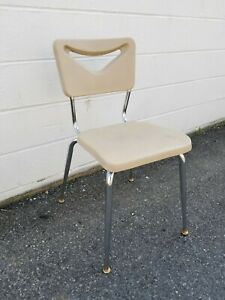 Scholar Craft Plastic Chairs W Metal Legs Lot Of 250 Stackable Banquet Events