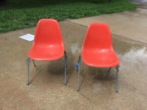 2 1957 Eames Herman Miller Fiberglass Orange Salmon Shell Stack Chairs 3