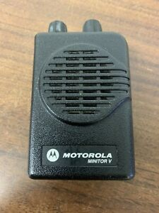 Motorola Minitor V 5 Low Band Pager 33 37 Mhz 2 channel Stored Voice