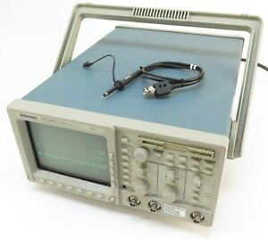 Tektronix Tds 340a 2 channel Digital Real time 100mhz 500ms s Oscilloscope