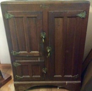 Antique Oak Ice Box Herrick Refrigerator Company Waterloo Iowa