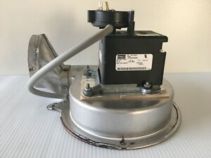 Fasco 7058 1002 Draft Inducer Blower Motor 348571 W Pressure Switch Used m83