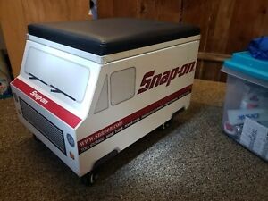 2019 Snap on Tool Truck Creeper W Lift Up Cushion Seat Ssx19p101 Roller Toolbox