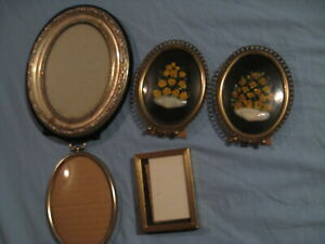 Vintage Small Pictures Oval With Bubble Convex Glass And Frame Lot