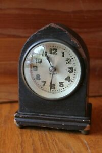 The New Haven Clock Co Usa 12 Day Mantle Clock Wooden Vintage Antique Mechanical