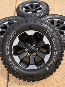 18 Inch Dodge Ram Rebel 2019 1500 Black Oem Wheels Rims 33 2020 A t Tires