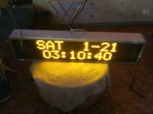 Signtronix Led 2 Programmable Led Sign 40 X 9 375 X 4 5 120 Watts 18 Lbs