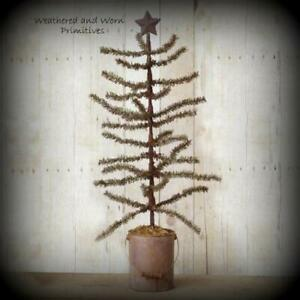 Primitive 23 Pine Christmas Tree With Rusty Star Topper In Rusty Metal Bucket
