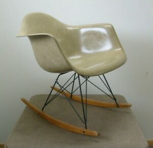 Herman Miller Charles Eames Zenith Plastic Rar Rocking Chair Checkerboard Label