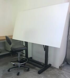 Bieffe Bf13 Professional Drafting Table With Ergonomic Adjustable Drafting Chair