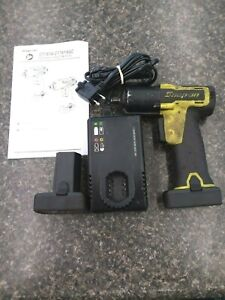 Snap on Ct761ahv 3 8 Impact Wrench 2 Batteries And Charger Free Shipping