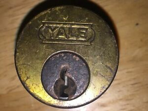 1 Antique Vintage Yale Used Cylinder Lock No Key