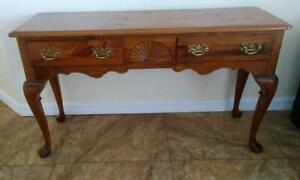 Pennsylvania House Console Sofa Entry Table Queen Ann Style Dove Tail Drawers