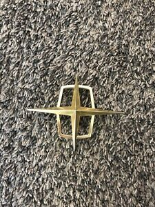 1958 1959 1960 Lincoln Continental Side Roof Star Emblem Bak 6820980 A Used