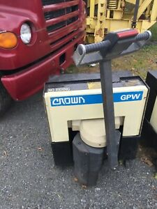 Crown Walk Behind Electric Pallet Jack Model 40gpw 27 14