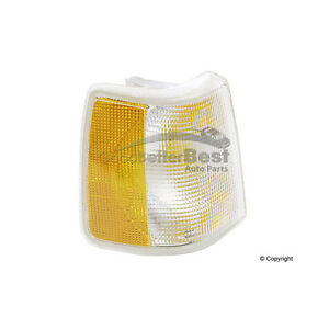 One New Uro Turn Signal Light Assembly Right 1369610e 1369610 For Volvo 740 940