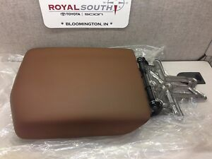 Toyota Tundra 11 13 Red Rock Leather Center Console Armrest Lid Genuine Oem Oe
