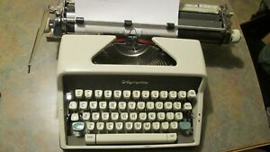 Olympia Sm7 Deluxe Typewriter With Wide Carriage 1963