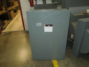 Square D 82355 400a 3p 240vac Double Throw Non fusible Manual Transfer Switch