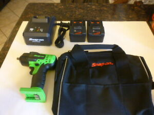 New Snap On 3 8 Green 18 Volt Cordless Impact Wrench Gun Charger