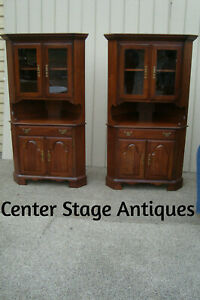 60654 Pair Drew Furniture Maple Corner Curio China Cabinets
