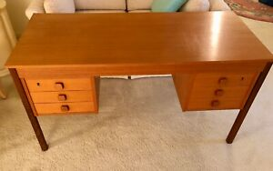 Teak Desk Mid Century Danish Modern Domino Mobler 6 Drawer Knee Hole Desk