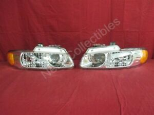 Nos Oem Chrysler Town And Country Quad Headlamp Light 1998 2000 Pair