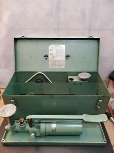 Used Ashcroft 1305 b Portable Dead Weight Tester