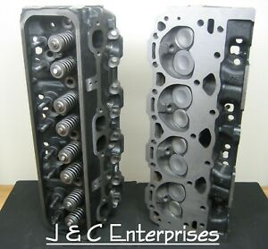 New Pair Of 5 7 Chevy 350 Vortec 906 Cylinder Heads 1996 2002 Sbc Trucks Vans
