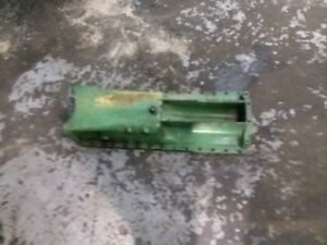 John Deere 3155 Oil Pan R80981