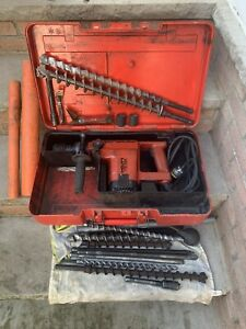 Hilti Te 52 Rotary Hammer Drill W Many Bits Works Great