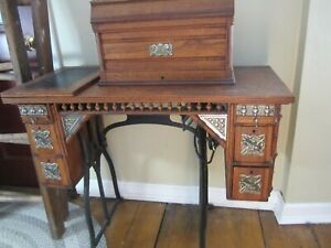Wheeler Wilson Treadle Sewing Machine Oak Cabinet Bridgeport Key And Extras