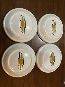1979 Chevy Luv Truck Hubcaps Bow Tie Set Of 4 Hub Caps White Nice 9 1 4 Id