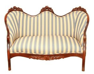 Reupholstered Vintage Victorian Country French Fainting Couch Settee W Crests