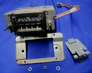 1970 s 1980 s Ford 8 Track Am Fm Radio W Wiring 7913 2l8 0651 02 2 Ships Free