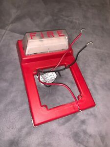 Simplex 4903 9101 Strobe Wall Mount 624 958 Red Fire Alarm