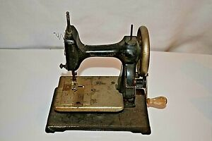 Antique New Home Hand Crank Sewing Machine 1860